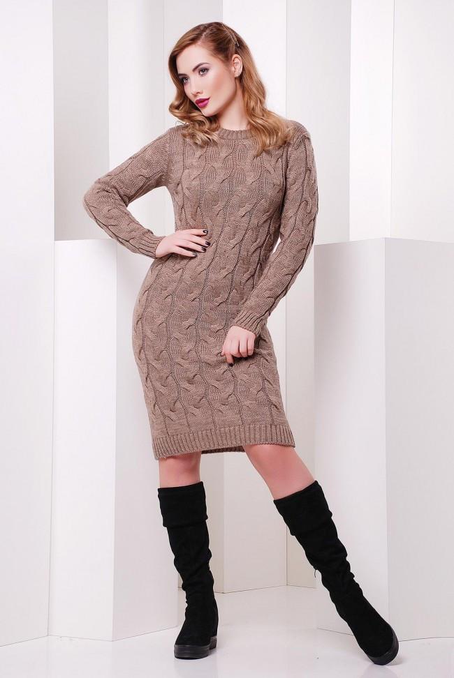 Теплое женское вязанное платье по фигуре с длинным рукавом до колен цвет капучино