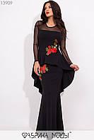 Длинное женственное платье с асимметричной баской и цветочной аппликацией с 42 по 46 размер