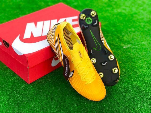 Бутсы футбольные Nike Mercurial Vapor Fury