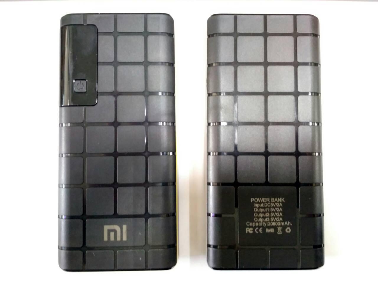 Power Bank Xiaomi 20800 mAhдисплей