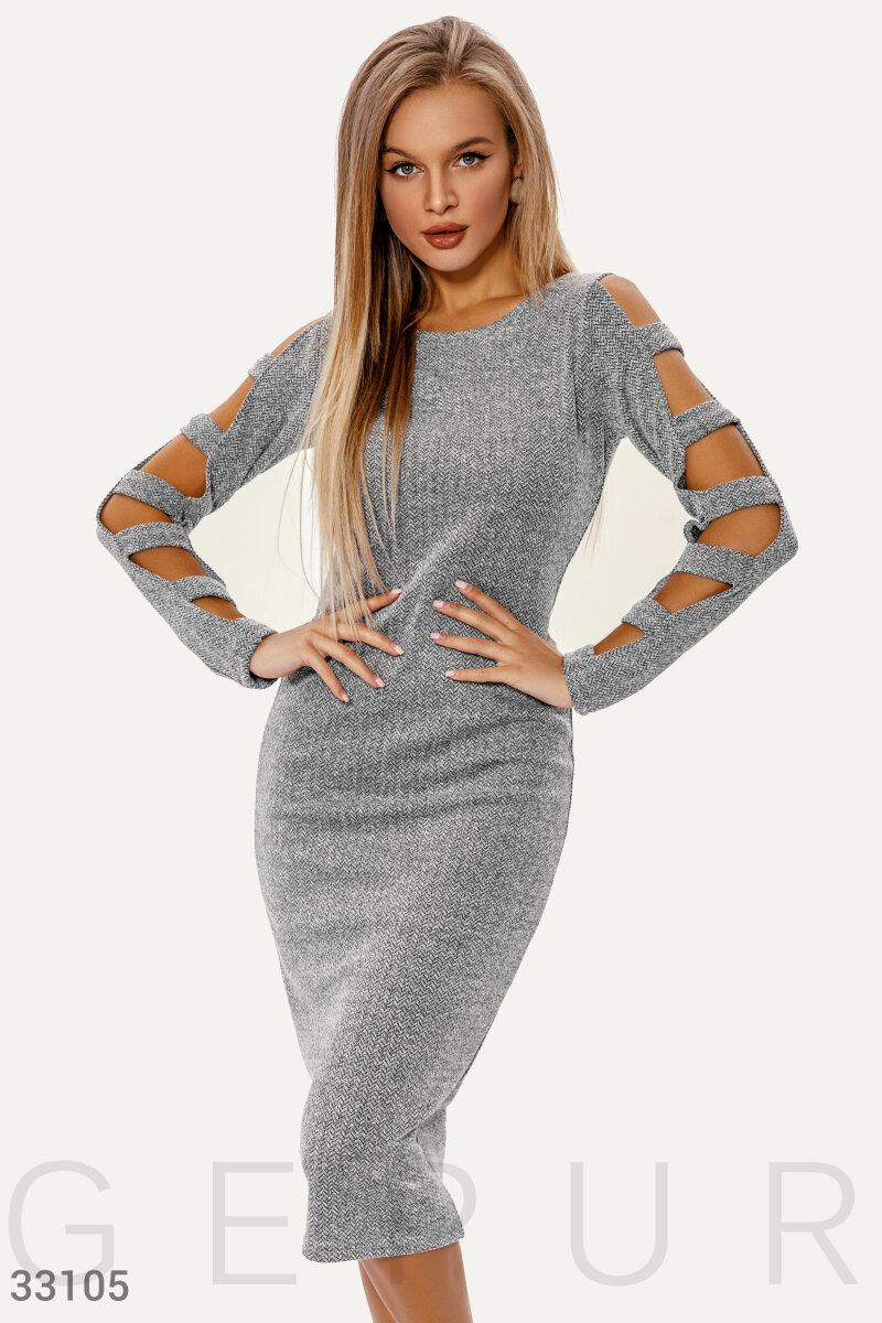 Трикотажное платье миди с разрезами на рукавах