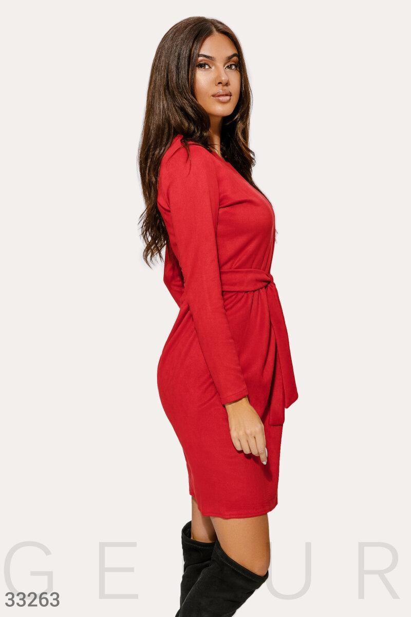 Замшевое платье А-силуэта красное