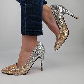 Женские блестящие туфли с серебристыми и золотыми блестками на высоком каблуке 36 (23,5 см)