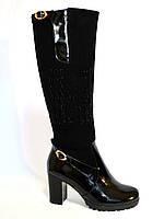 Женские высокие стильные сапоги, натуральный замш+лак, декорированы стразами, демисезонные, фото 1