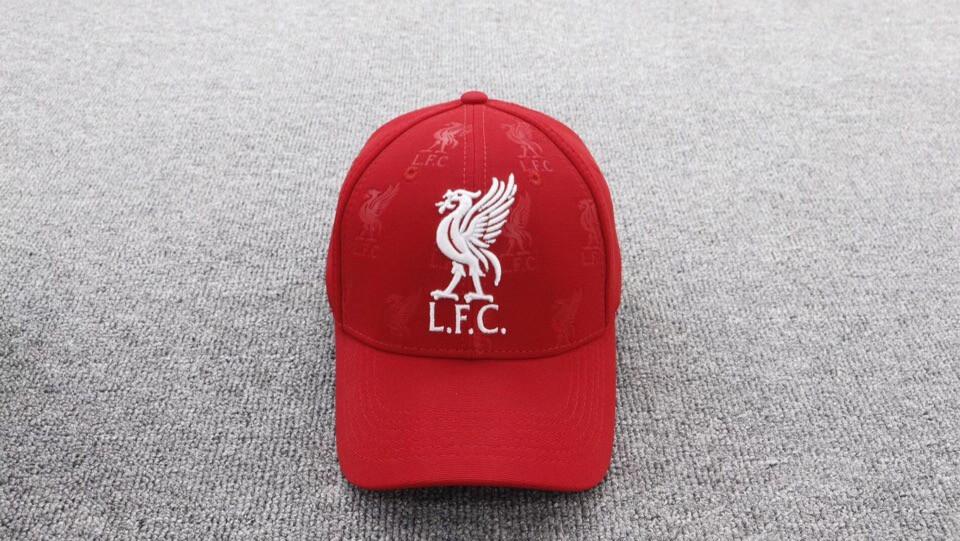 Кепка Ливерпуль красная, бейсболка Liverpool новый сезон