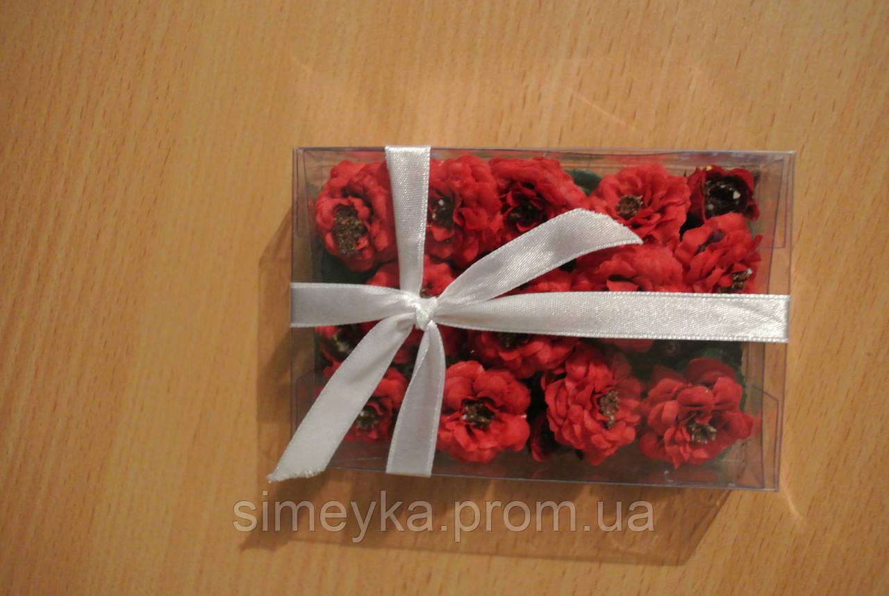Набор бархатцев (ок. 30 цветков диаметром от 25 до 13 мм и листики к ним). Красные.