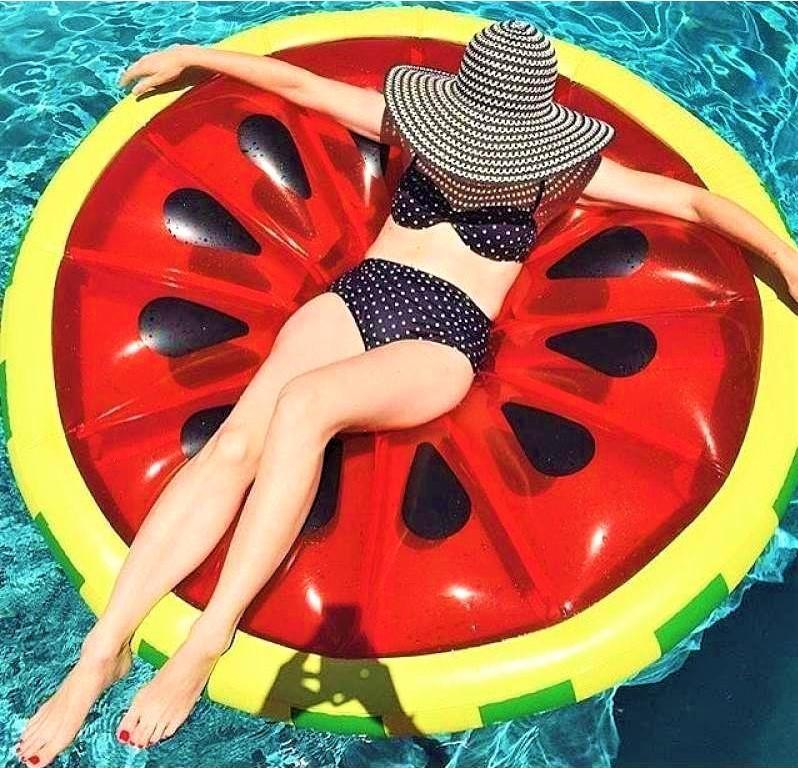 Пляжний надувний матрац - пліт Кавун, діаметр 143 см