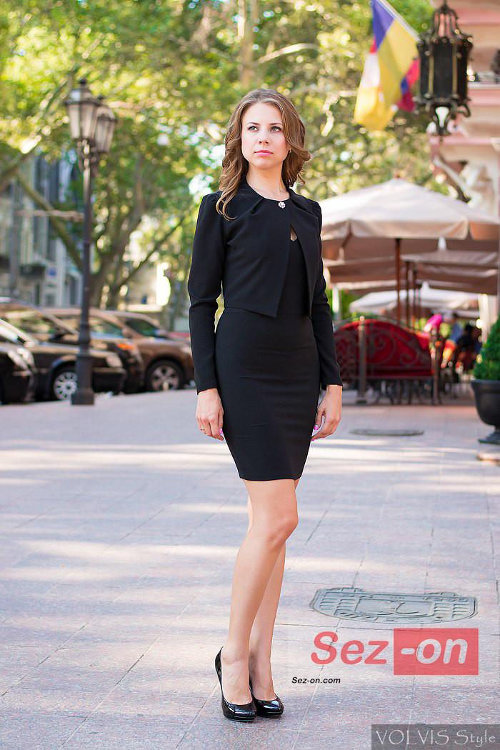 Костюм жіночий плаття і короткий піджак ― Чорний