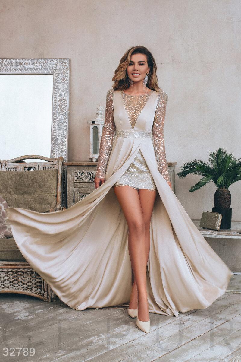 Серебристое платье в пайетку с бахромой