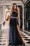 Ошатне плаття максі на одне плече блискучого темно-синього кольору, фото 2