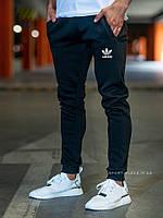 Теплые мужские спортивные штаны Adidas черные (ЗИМА) с начесом на манжетах реплика