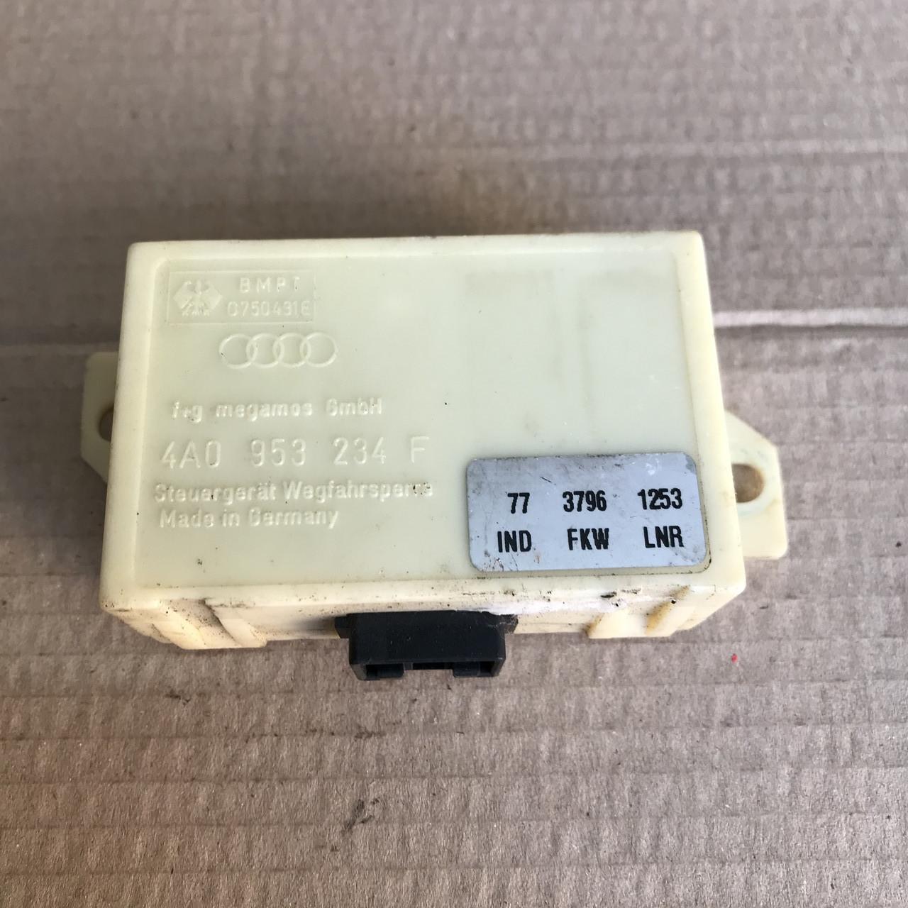 4A0953234F Блок управління імобілайзером на Audi A8 D2