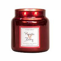 Ароматическая свеча Village Candle Розы и ягоды (время горения до 105 ч)