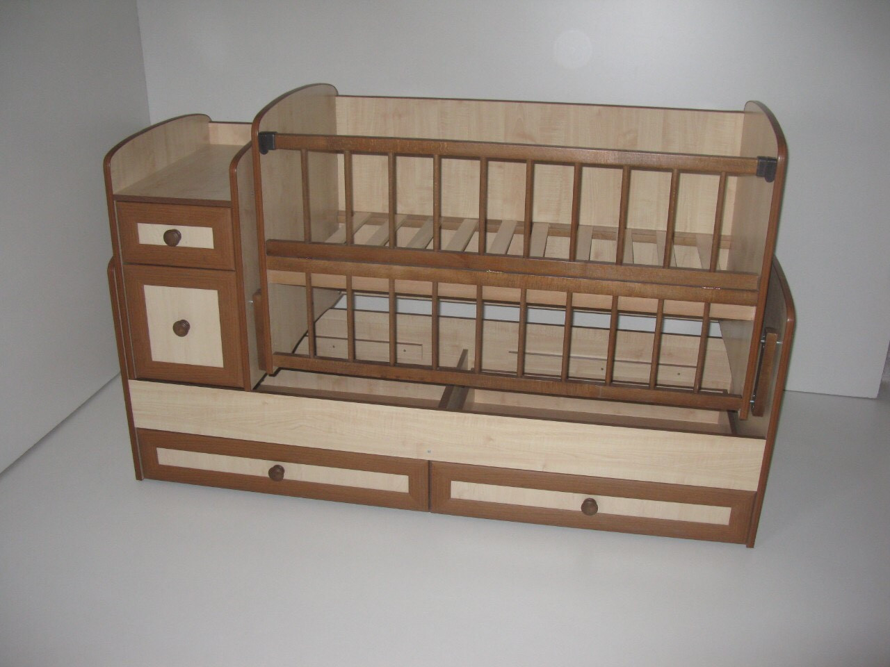 Дитяче ліжечко - трансформер від 0 до 12 років