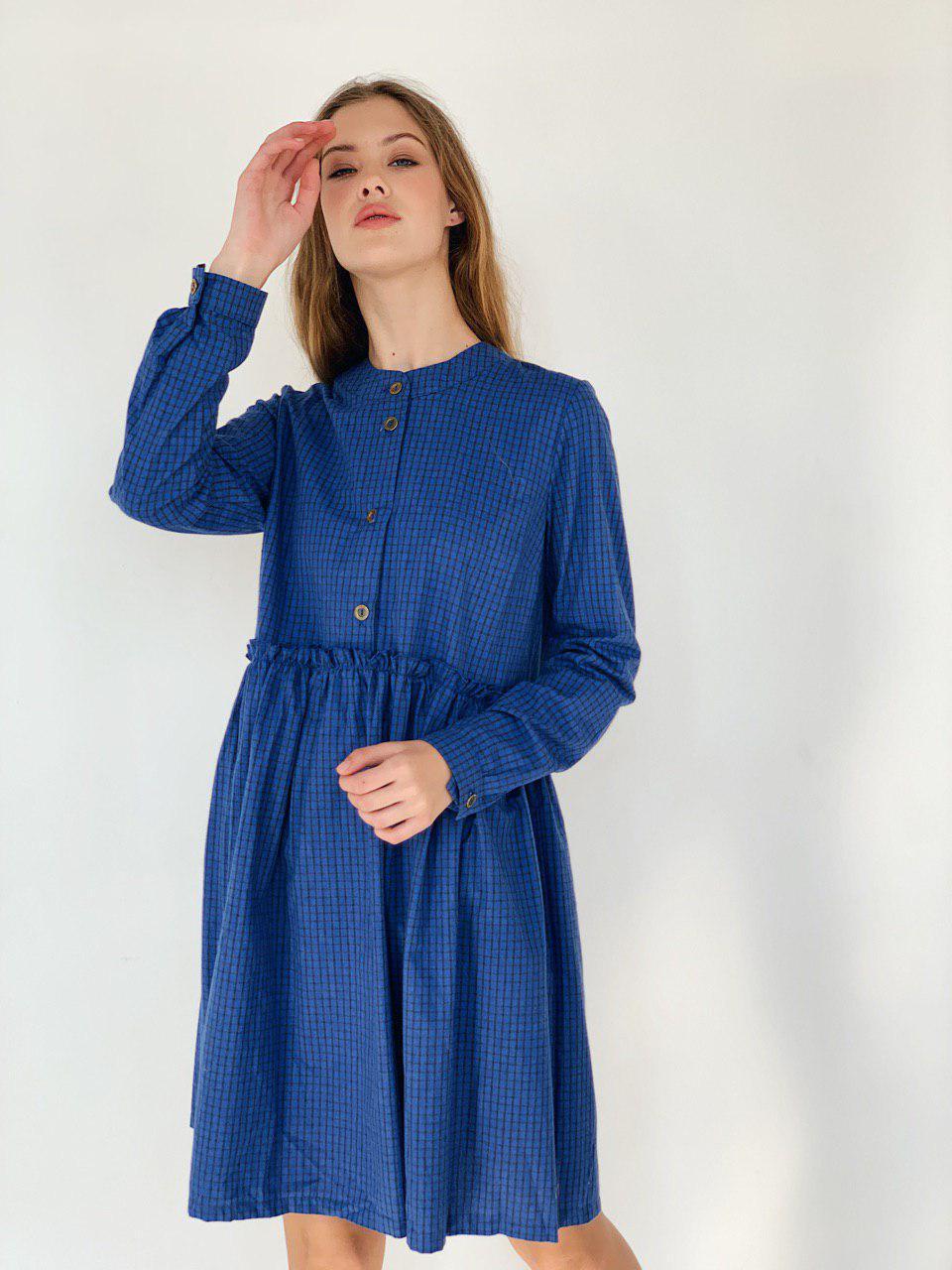 Платье в клетку теплое синее