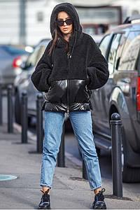 Женская зимняя куртка с меховыми вставками и капюшоном