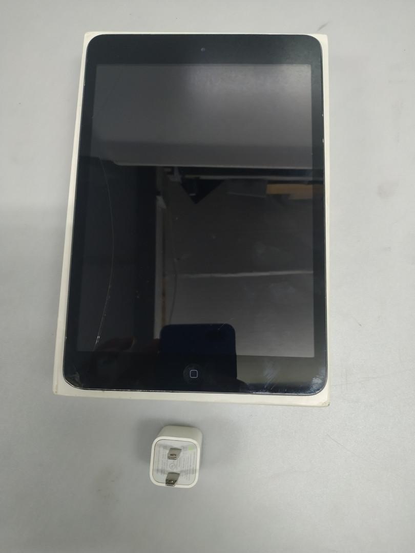 Планшет Apple A1432 iPad mini WiFi 32GB потертый 270801