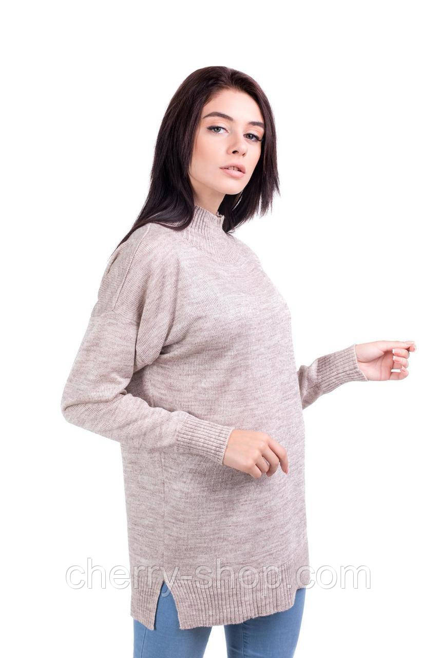 Нежный удлиненный свитер с разрезами по бокам