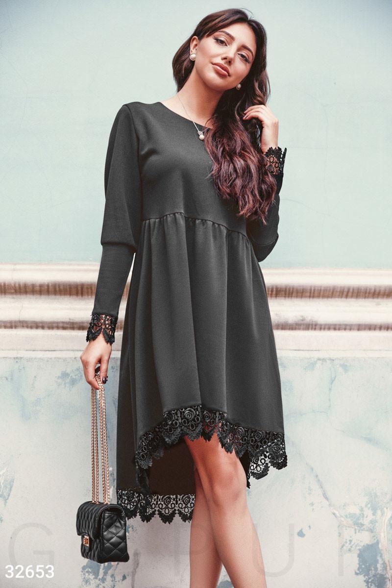 Асимметричное платье свободного кроя с кружевом