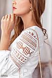 Короткое платье с ажурными вставками белое, фото 4