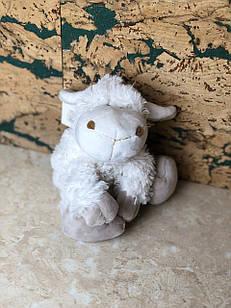 Іграшка біла пухнаста барашик