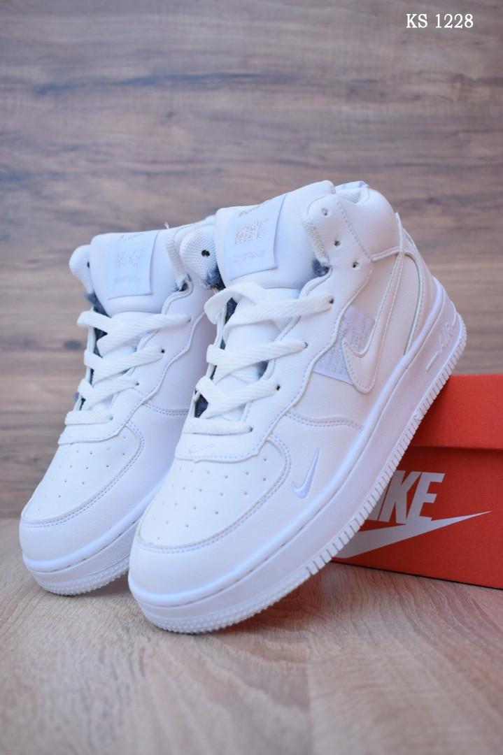 Мужские зимние кроссовки на меху в стиле Nike Air Force 1 LV8 High, кожа, полиуретан, белые 43 (26,5 см)