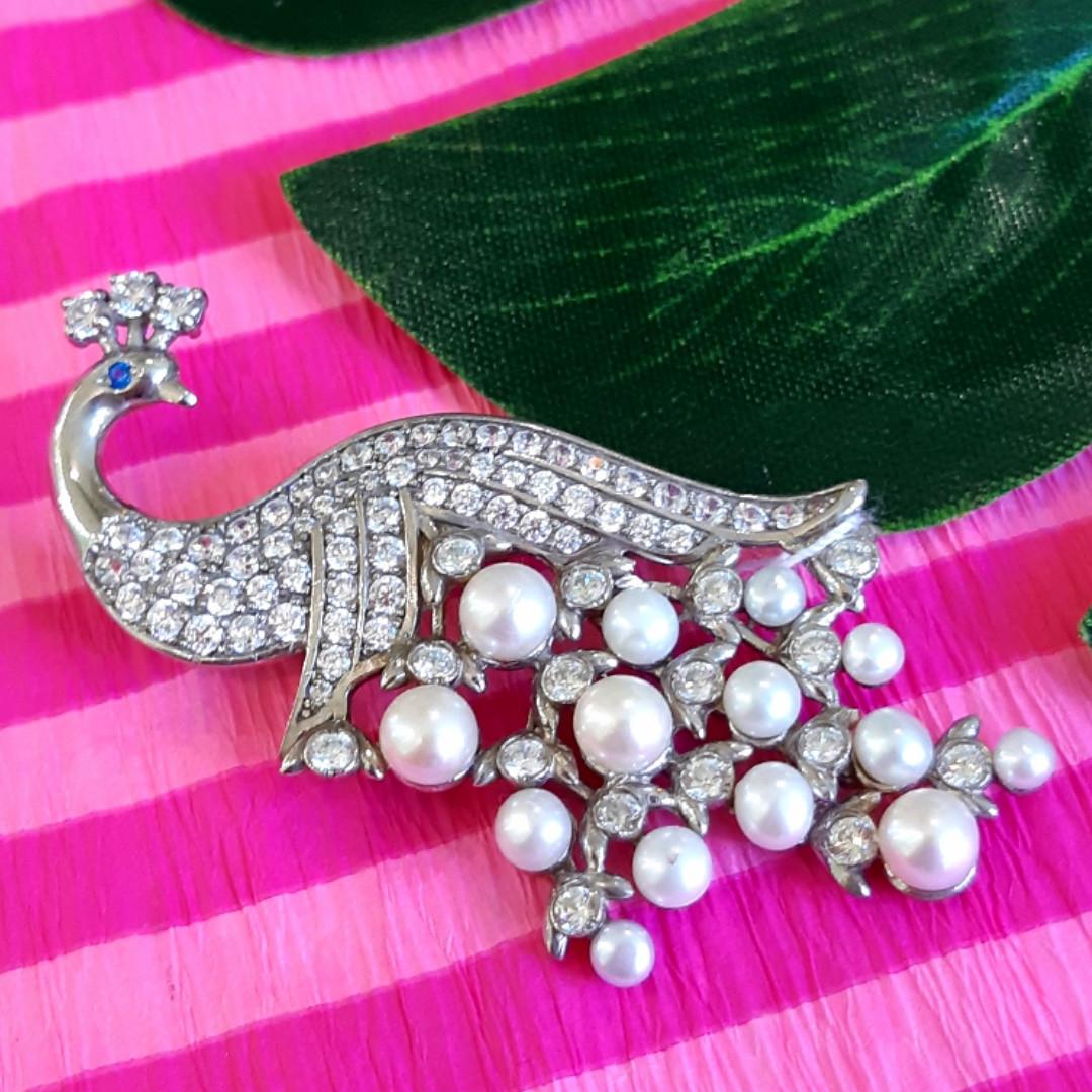 Женская серебряная брошь с жемчугом Павлин - Брошка Павлин родированное серебро