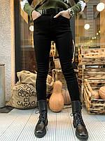 Женские джинсы американки деним черного цвета  Pealtia (ТО126)