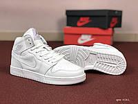 Женские кроссовки Nike Air Jordan 1 Retro (белые)