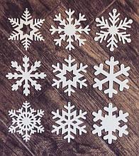 Снежинки из дерева