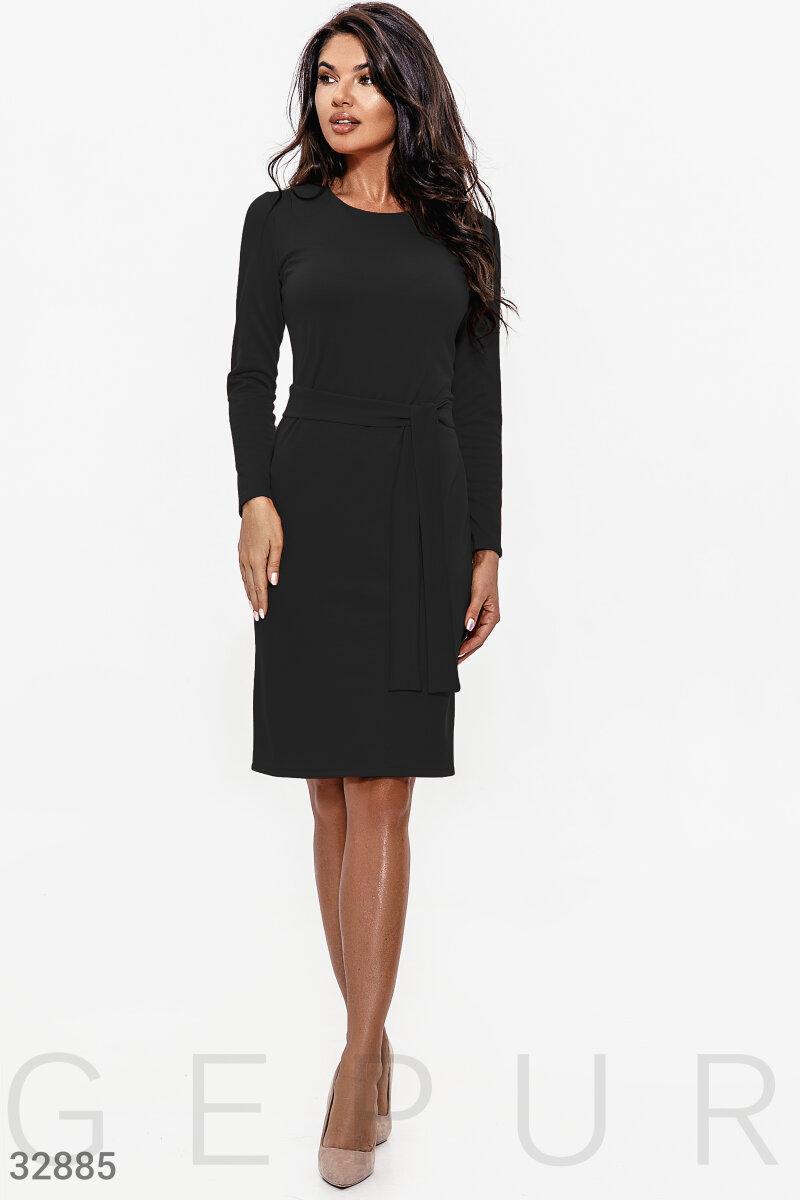 Облегающее трикотажное платье миди с поясом черное