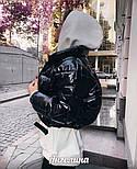 Короткая женская лаковая куртка на молнии без капюшона 3701172, фото 2