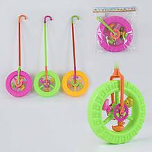 """Каталка 887-1 (96) """"Колесо"""" с трещоткой и погремушкой на палочке, 3 цвета, в кульке, 72см"""