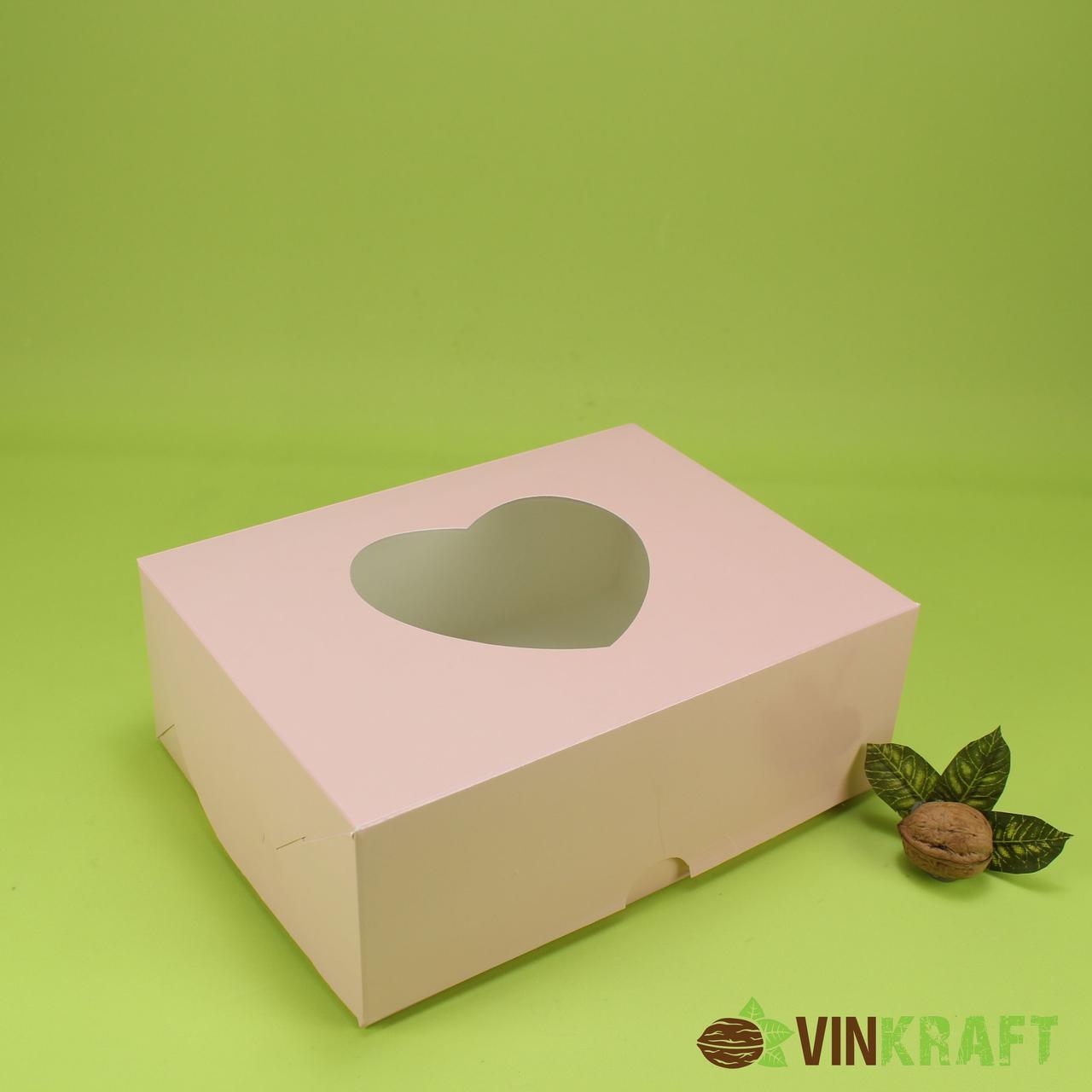 """Подарочная коробка 240*180*90 с окном в форме """"Сердца"""", пудра"""