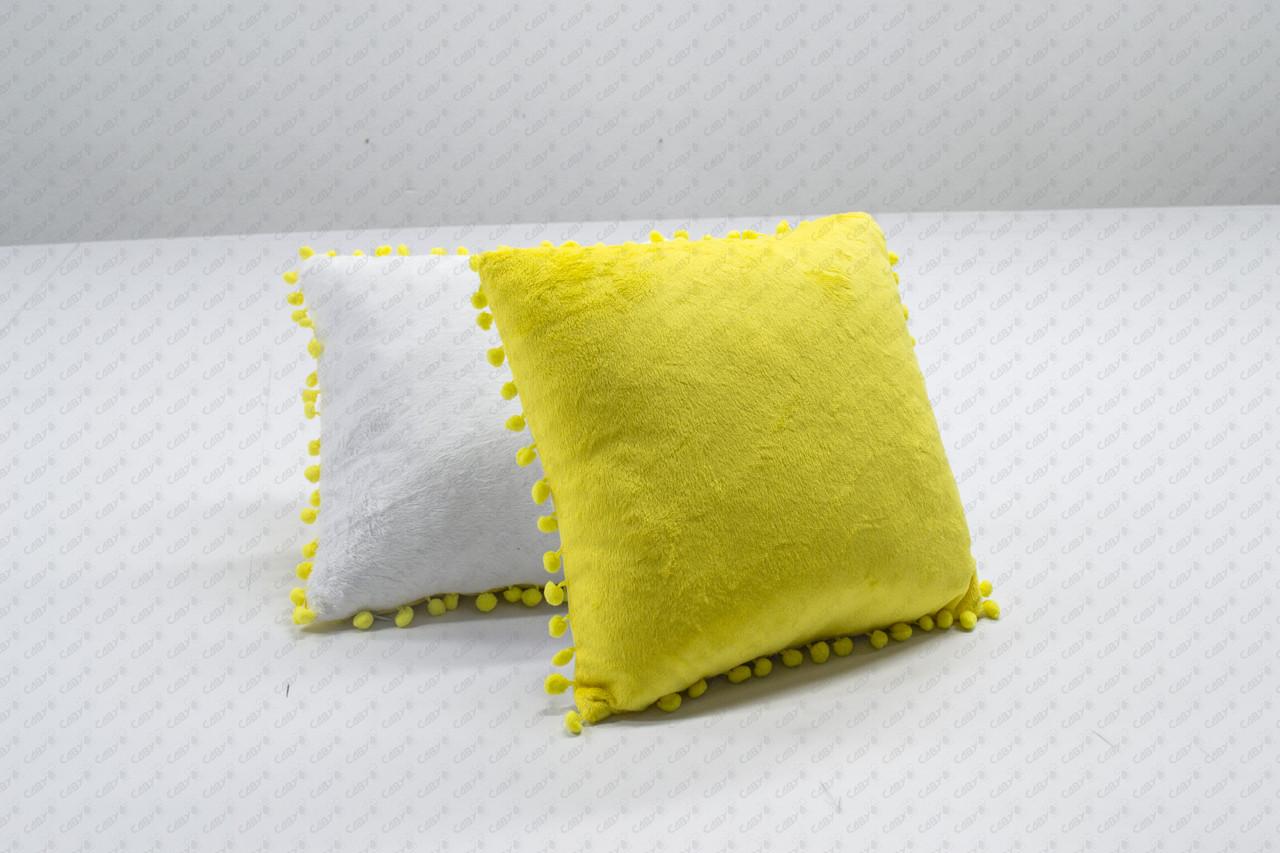 Подушка квадрат 35см. белый/ желтый плюшевая с помпонами для сублимации от производителя Украина