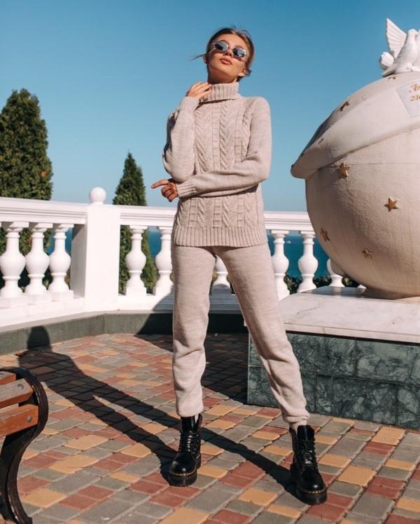 Женский цельновязаный бесшовный костюм с итальянской пряжи кашемир 40% шерсть 40 % акрил 20 размер: с-м, л-хл