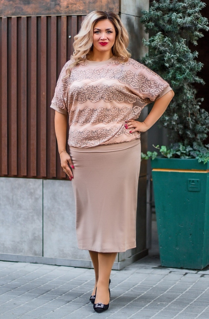 Женский юбочный костюм юбка ниже колен из французского трикотажа и блуза из сетки с отделкой гипюра 56, 58, 60