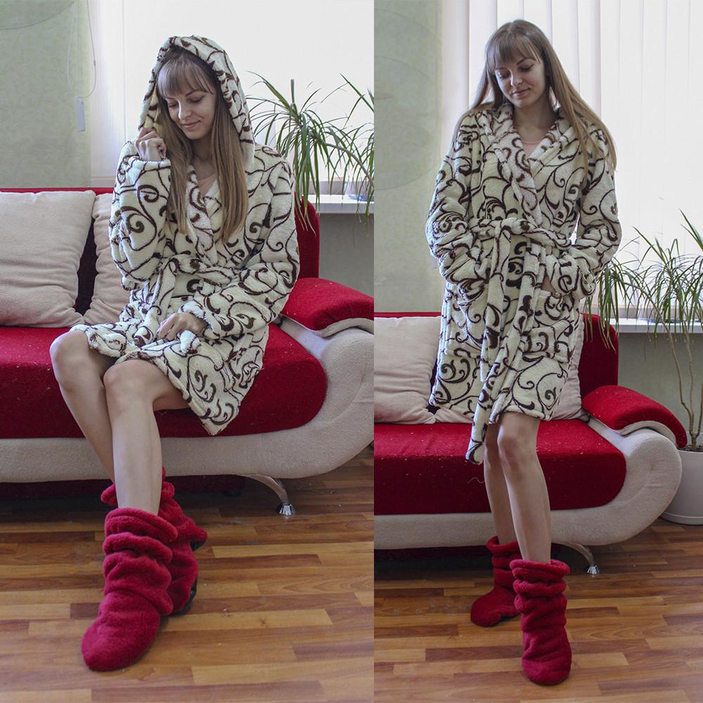 Теплый домашний халат с вензелями