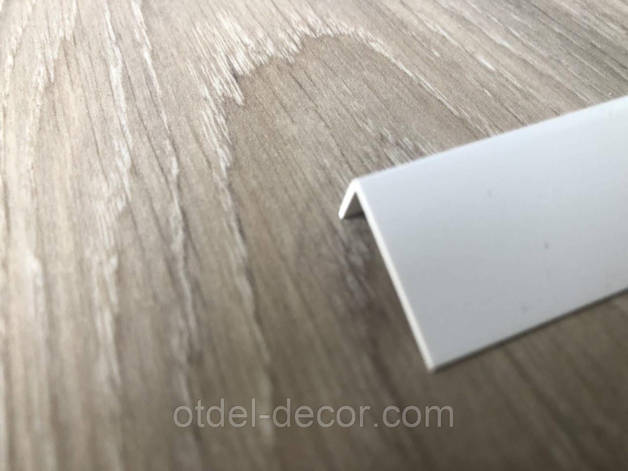 Уголок декоративный ПВХ белый 10x20x2750 мм, Белый Арочный