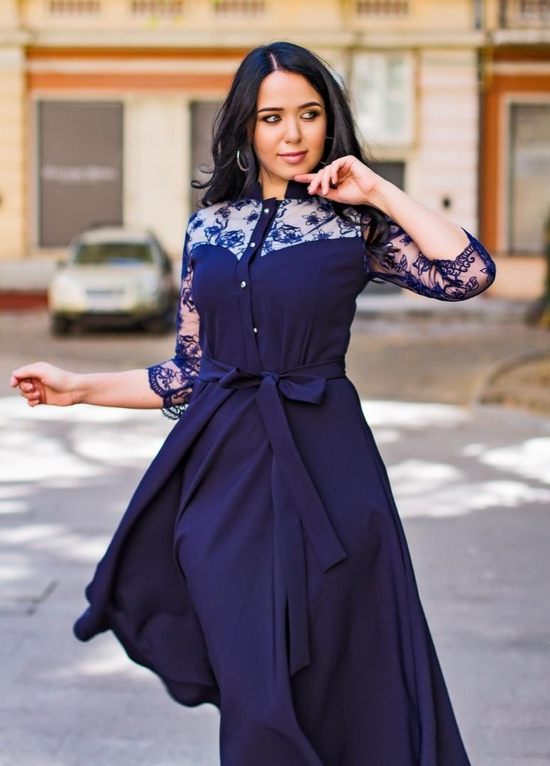 Женское платье под пояс ниже колен со вставками гипюра 50, 52, 54