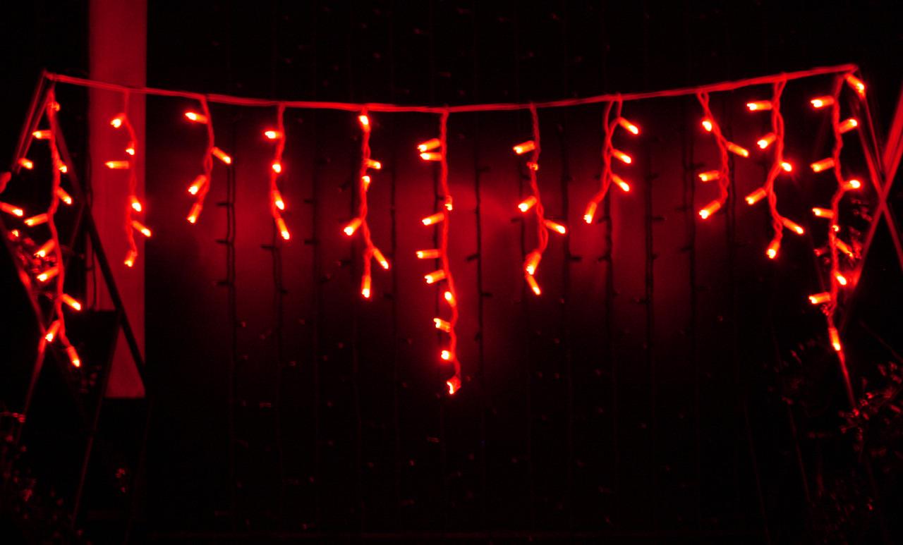 Уличная светодиодная гирлянда бахрома Lumion Icicle Light (Айсикл лайт) 90 led  наружная цвет красный