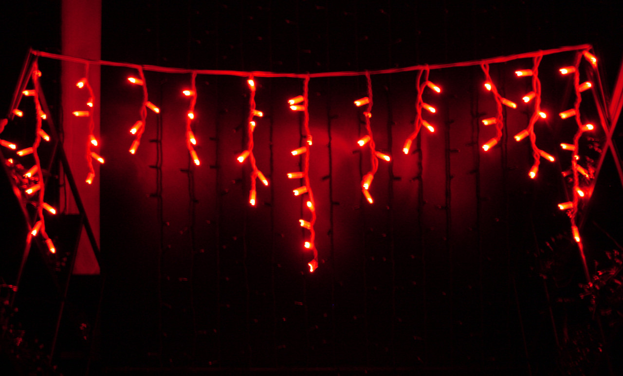 Уличная светодиодная гирлянда бахрома Lumion Icicle Light (2011-DE) 120 led  наружная цвет красный