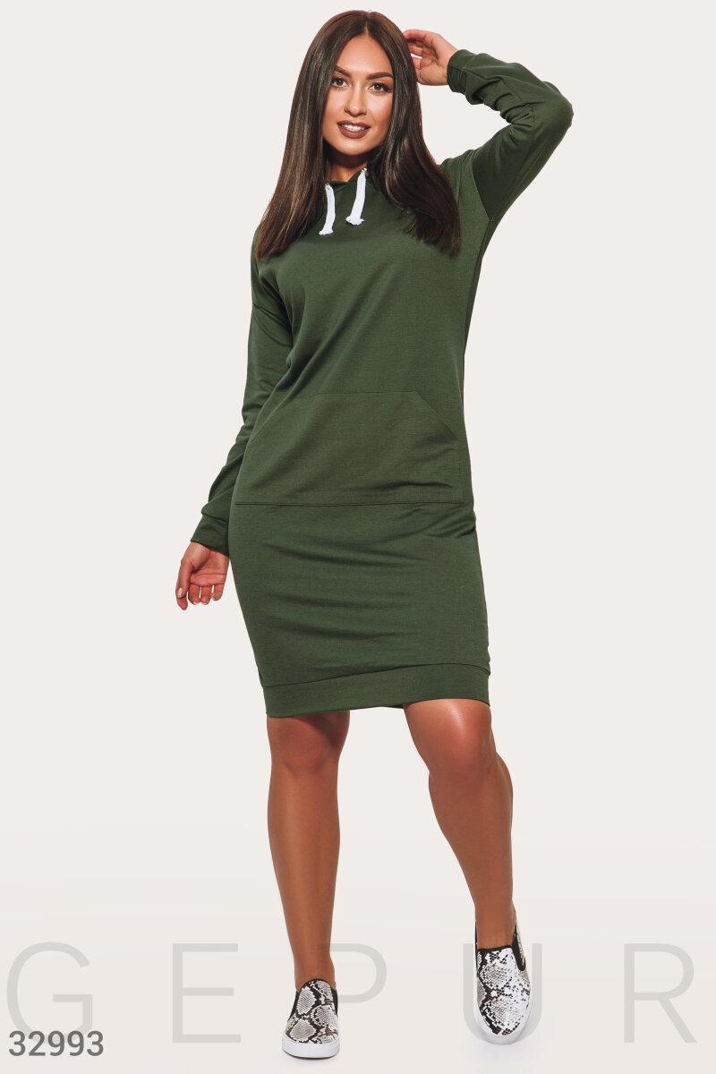 Трикотажное платье-туника в спортивном стиле зеленое