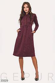 Трикотажное платье миди А-силуэта бордовое