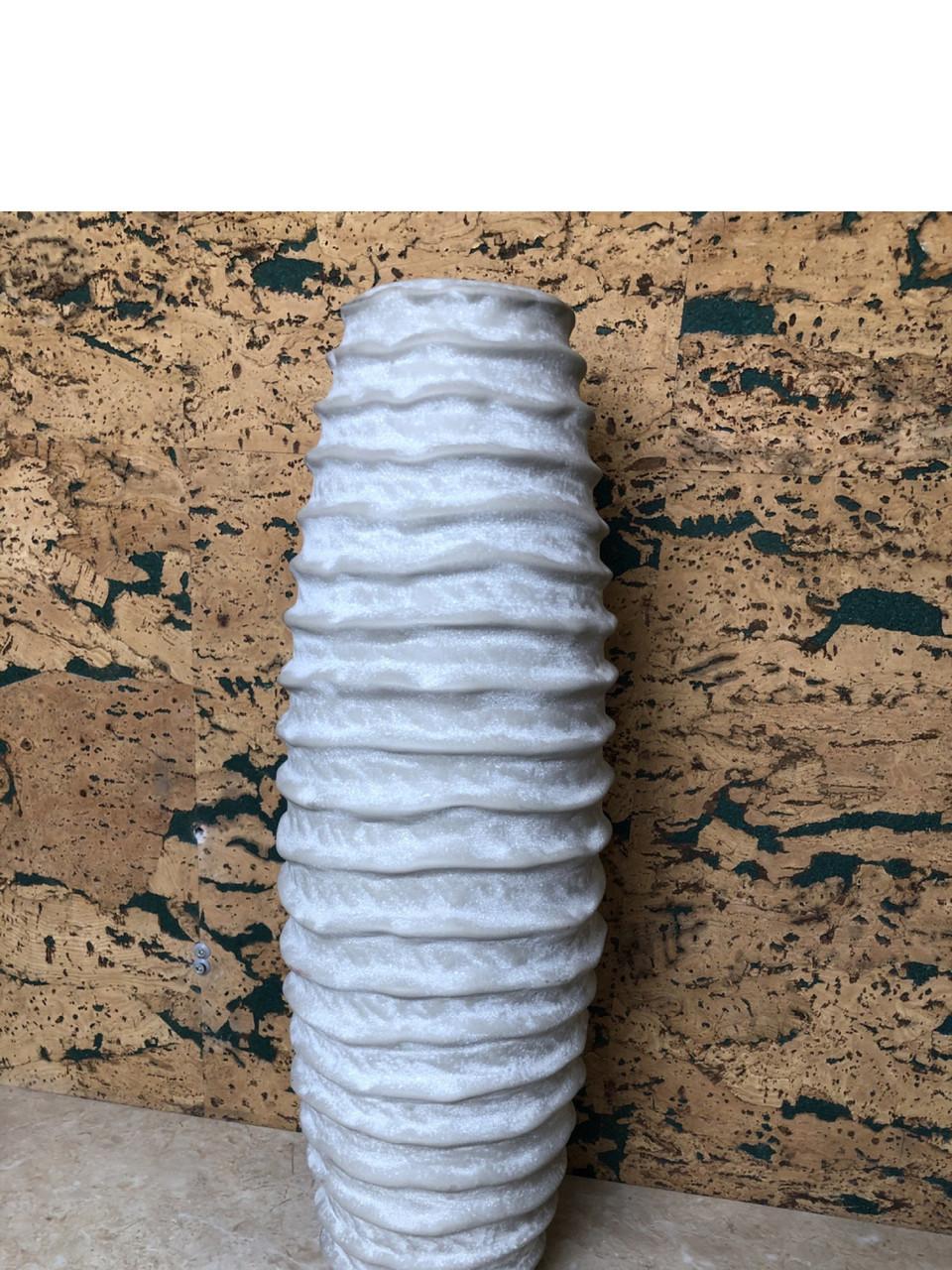Ваза для квітів декоративна ребриста сіра біла кераміка