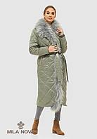 Пальто плащ стеганое длинное зимнее с опушкой из чернобурки оливковое