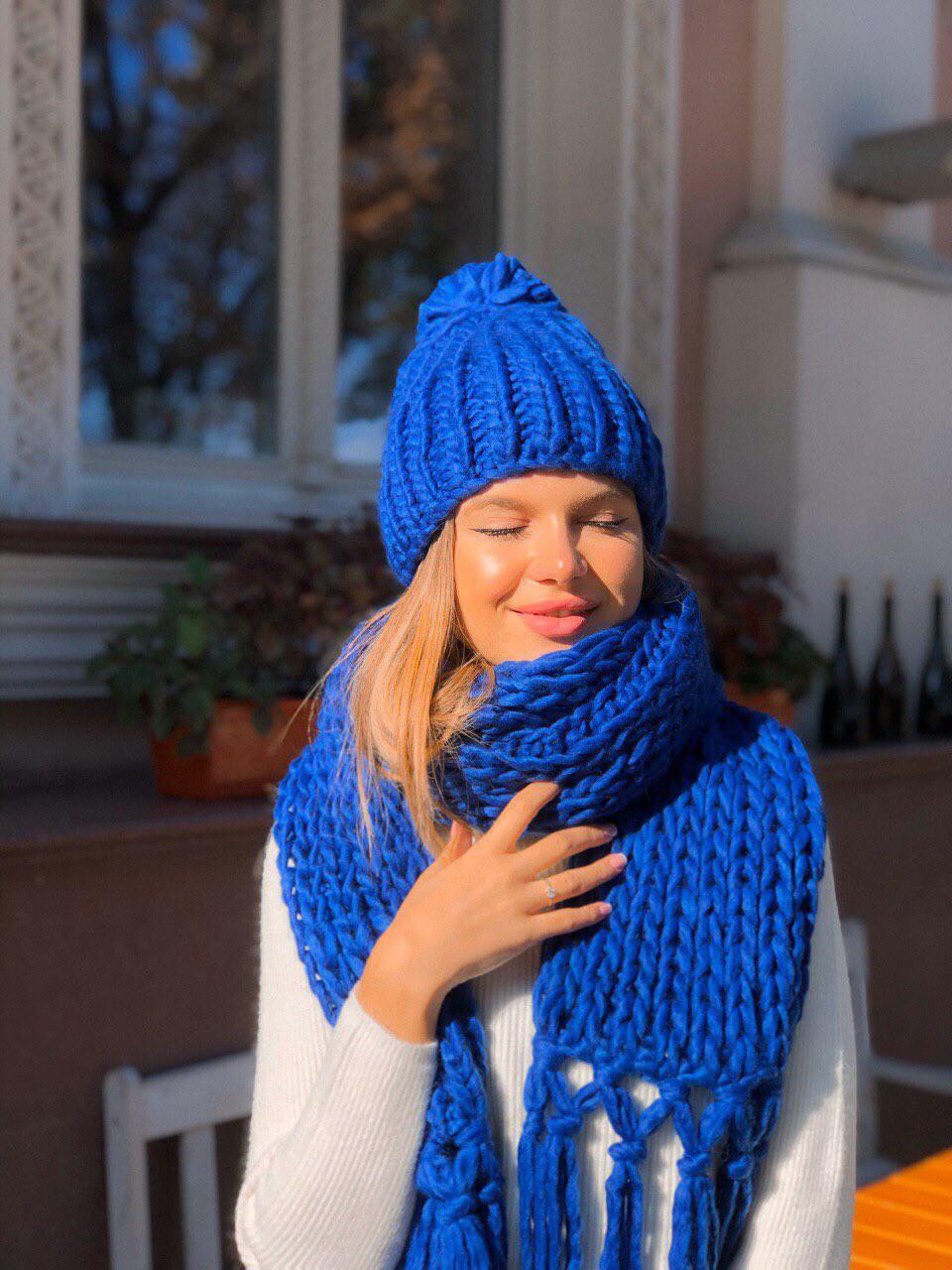Женский набор шапка и шарф чёрный белый розовый синий красный малиновый