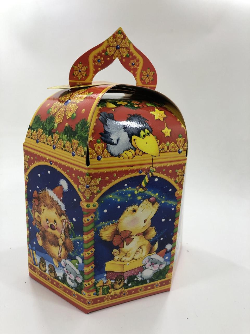 Новогодняя подарочная картонная упаковка для конфет на 500 грамм