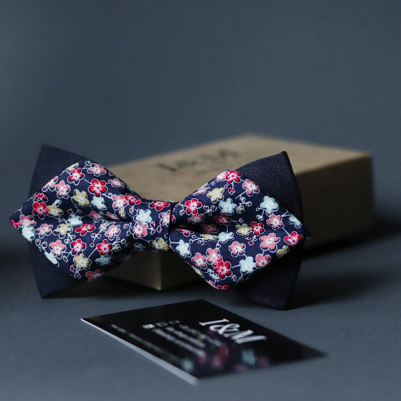 Краватка-метелик I&M Craft з гострими кінцями синій в квіточки (100160N)