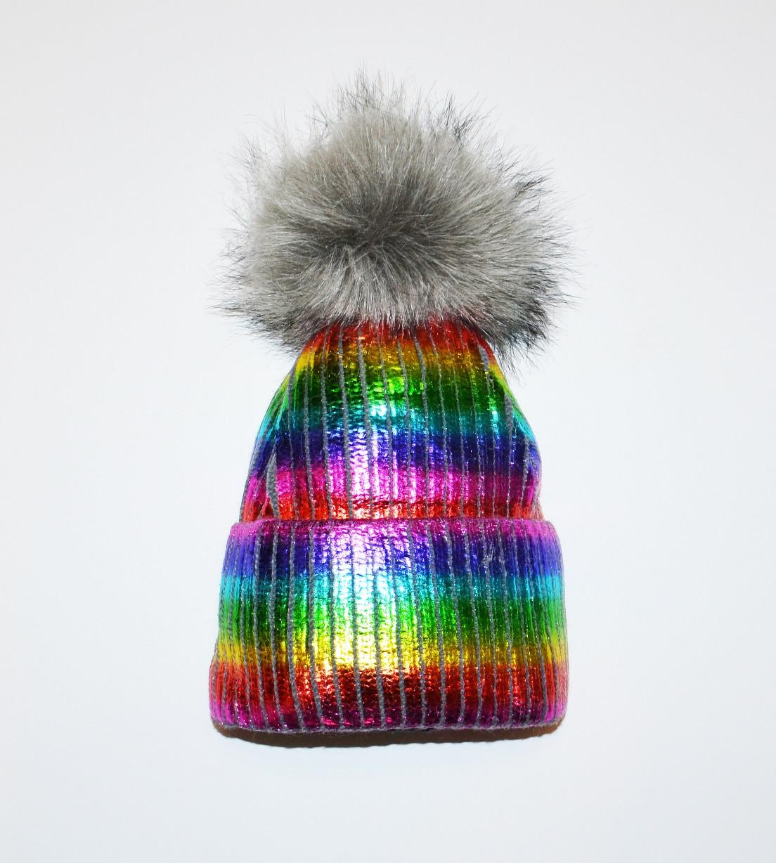 Шапка детская девочкам с большим помпоном яркая разноцветная зима